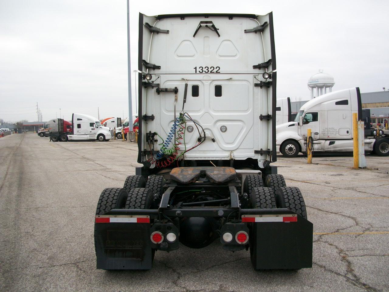 2015 Freightliner Cascadia for sale-59197243