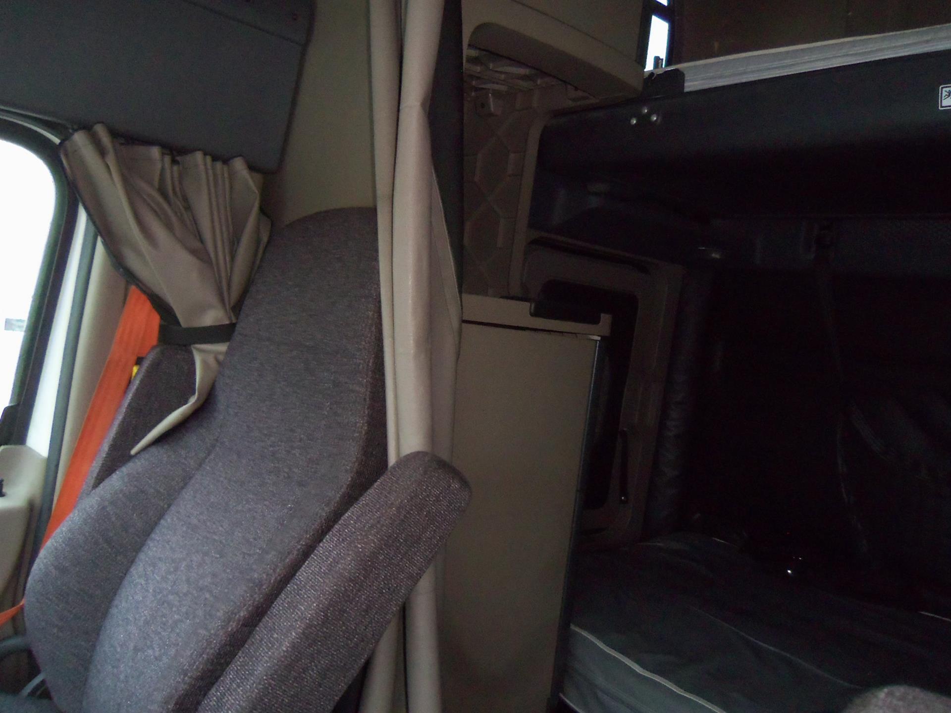 2015 Freightliner Cascadia for sale-59274574