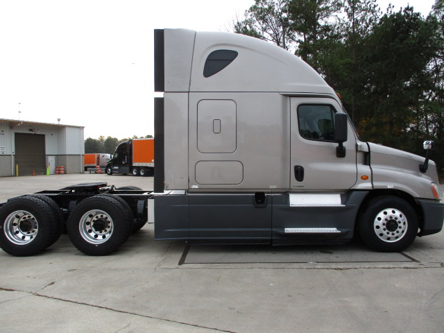 2015 Freightliner Cascadia for sale-59218464