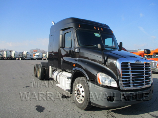 USED 2015 FREIGHTLINER CASCADIA DAYCAB TRUCK #138512