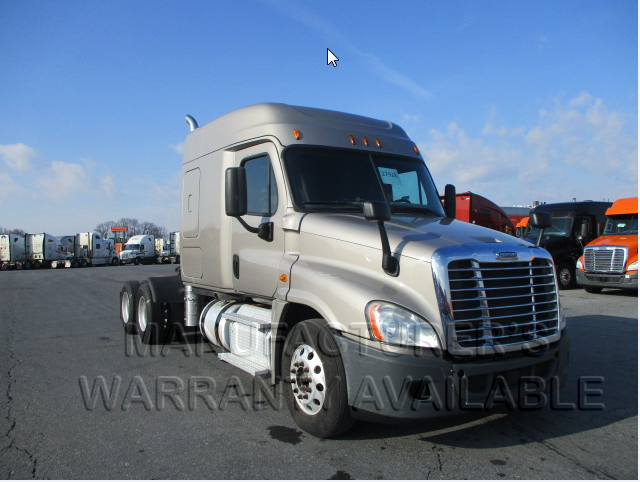 USED 2015 FREIGHTLINER UNKNOWN DAYCAB TRUCK #138517