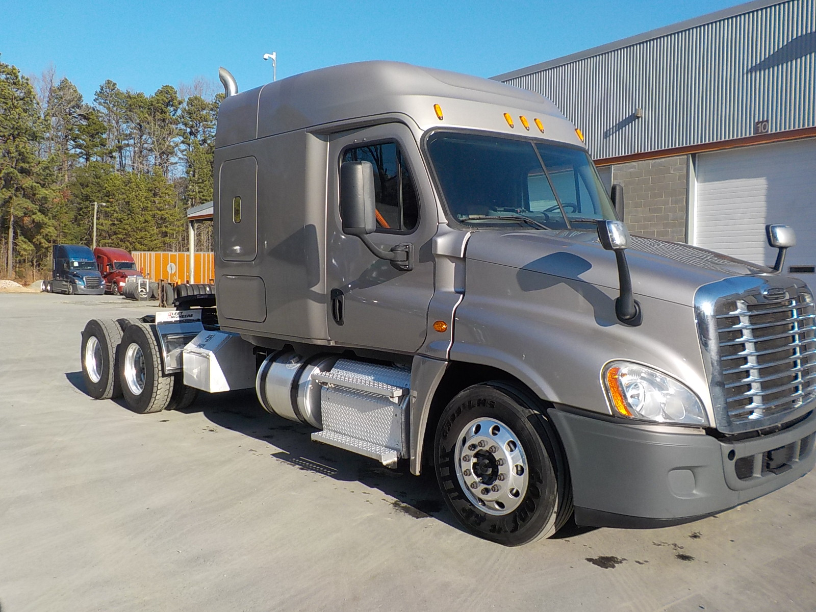 USED 2015 FREIGHTLINER CASCADIA DAYCAB TRUCK #138582