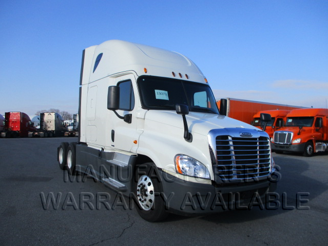 USED 2015 FREIGHTLINER CASCADIA DAYCAB TRUCK #138590