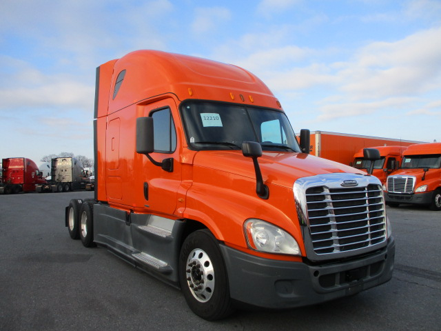 2014 Freightliner Cascadia for sale-59212178
