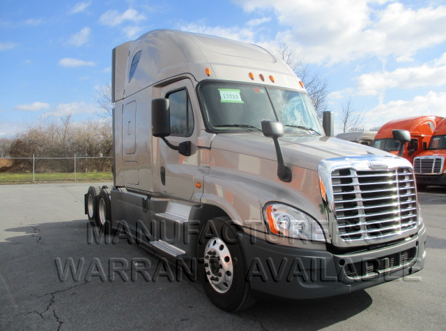 USED 2015 FREIGHTLINER CASCADIA SLEEPER TRUCK #139030