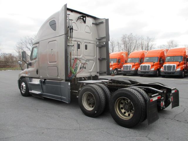 2015 Freightliner Cascadia for sale-59110860