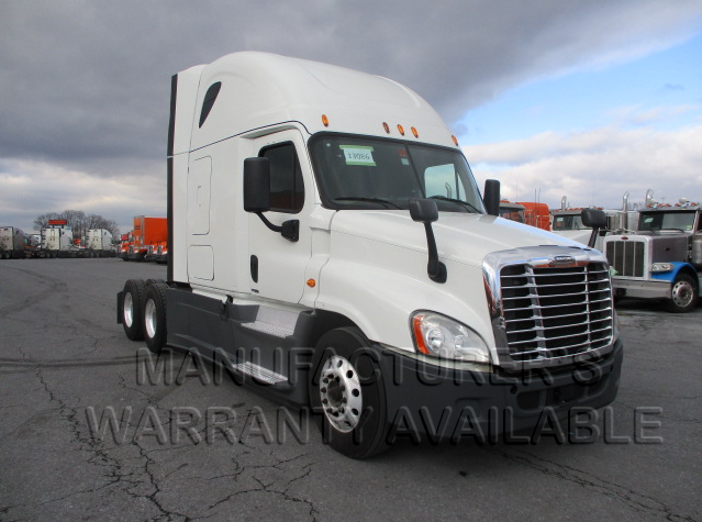 USED 2015 FREIGHTLINER CASCADIA SLEEPER TRUCK #139032