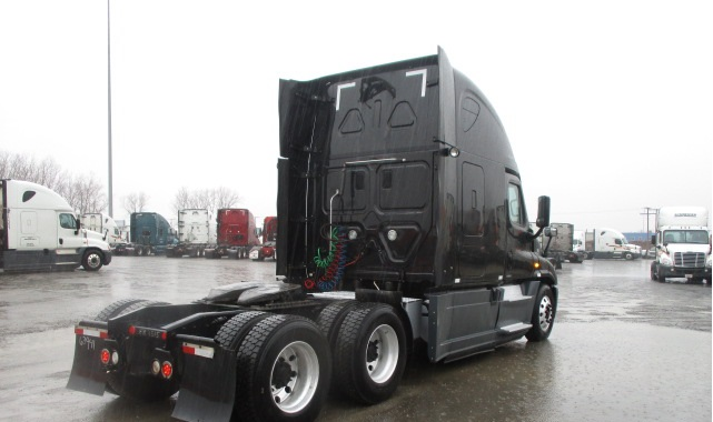 2014 Freightliner Cascadia for sale-59110869