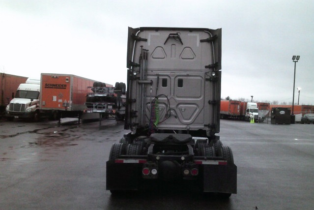 2014 Freightliner Cascadia for sale-59110843