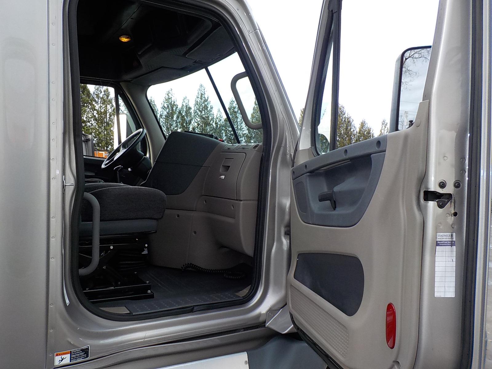 2014 Freightliner Cascadia for sale-59111043