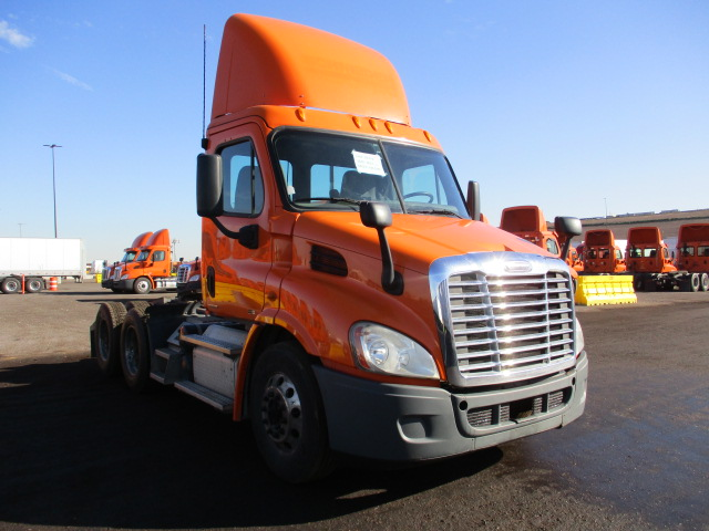 USED 2012 FREIGHTLINER CASCADIA DAYCAB TRUCK #139046
