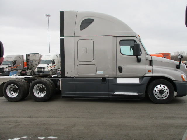 2015 Freightliner Cascadia for sale-59169745