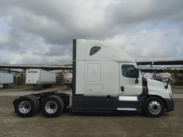 2015 Freightliner Cascadia for sale-59276860