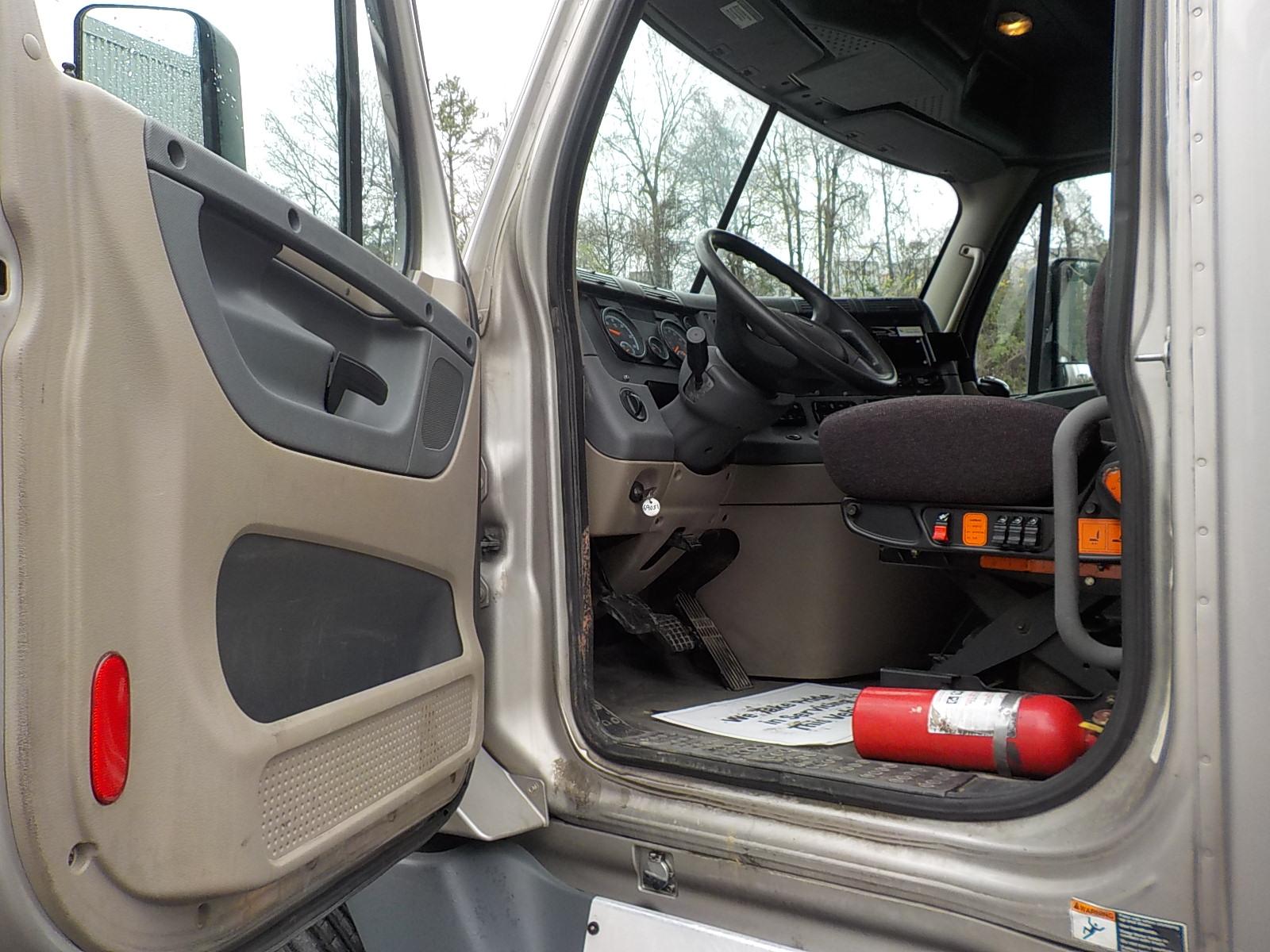 2015 Freightliner Cascadia for sale-59196422