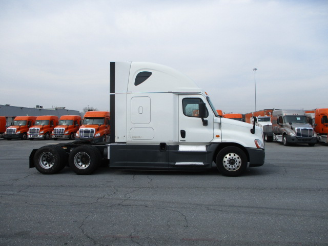 2015 Freightliner Cascadia for sale-59196427