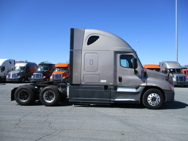 2015 Freightliner Cascadia for sale-59196483