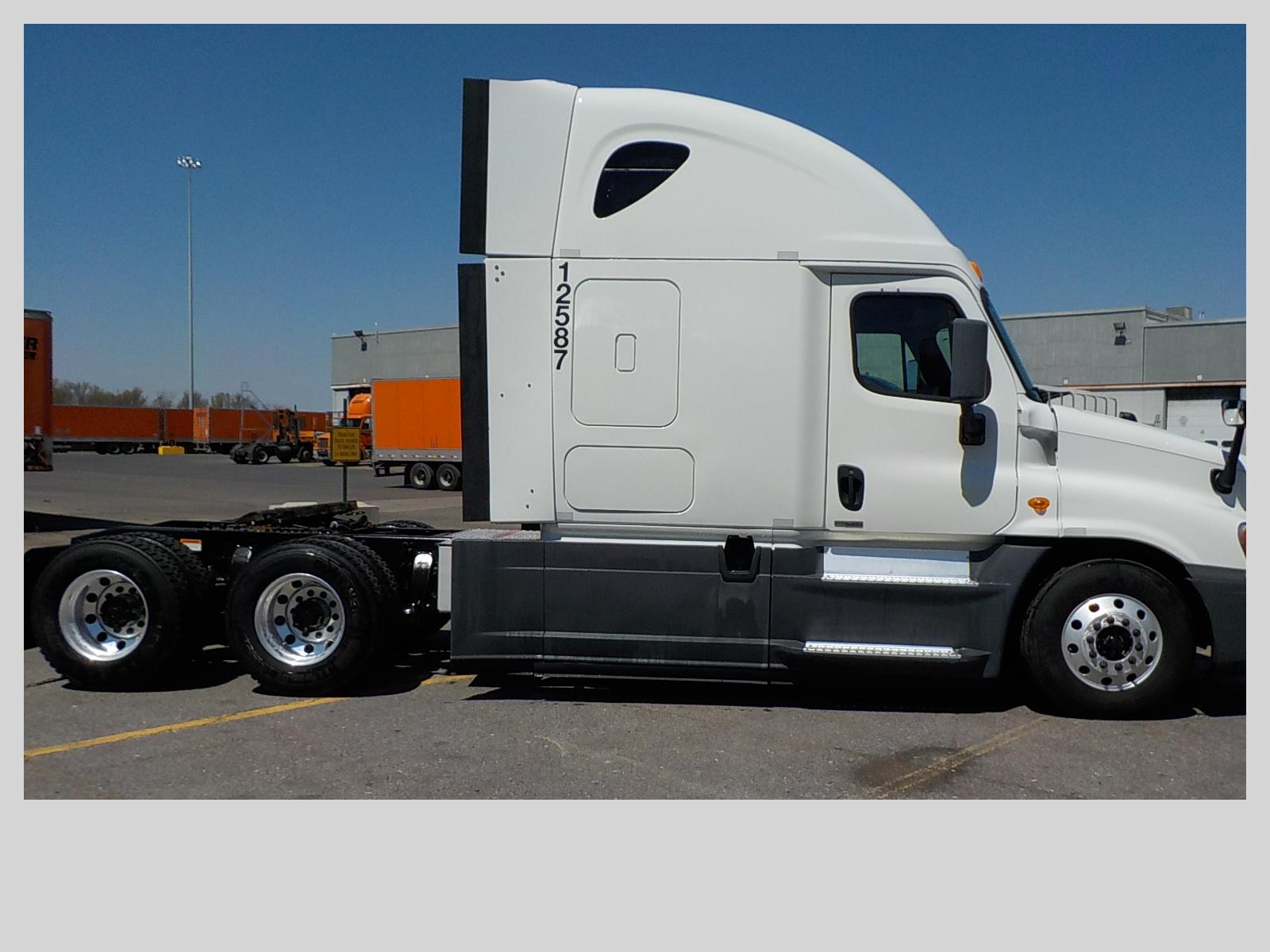 2014 Freightliner Cascadia for sale-59196556