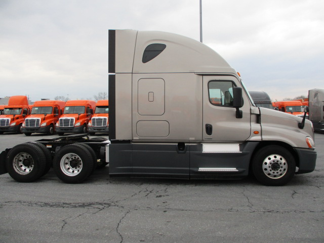 2015 Freightliner Cascadia for sale-59196576