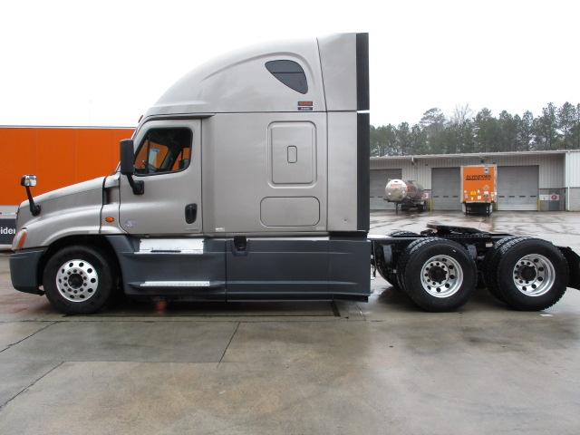 2015 Freightliner Cascadia for sale-59197381