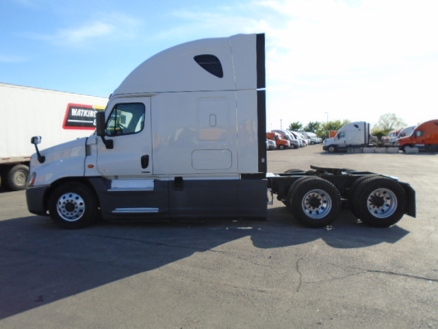 2015 Freightliner Cascadia for sale-59274790