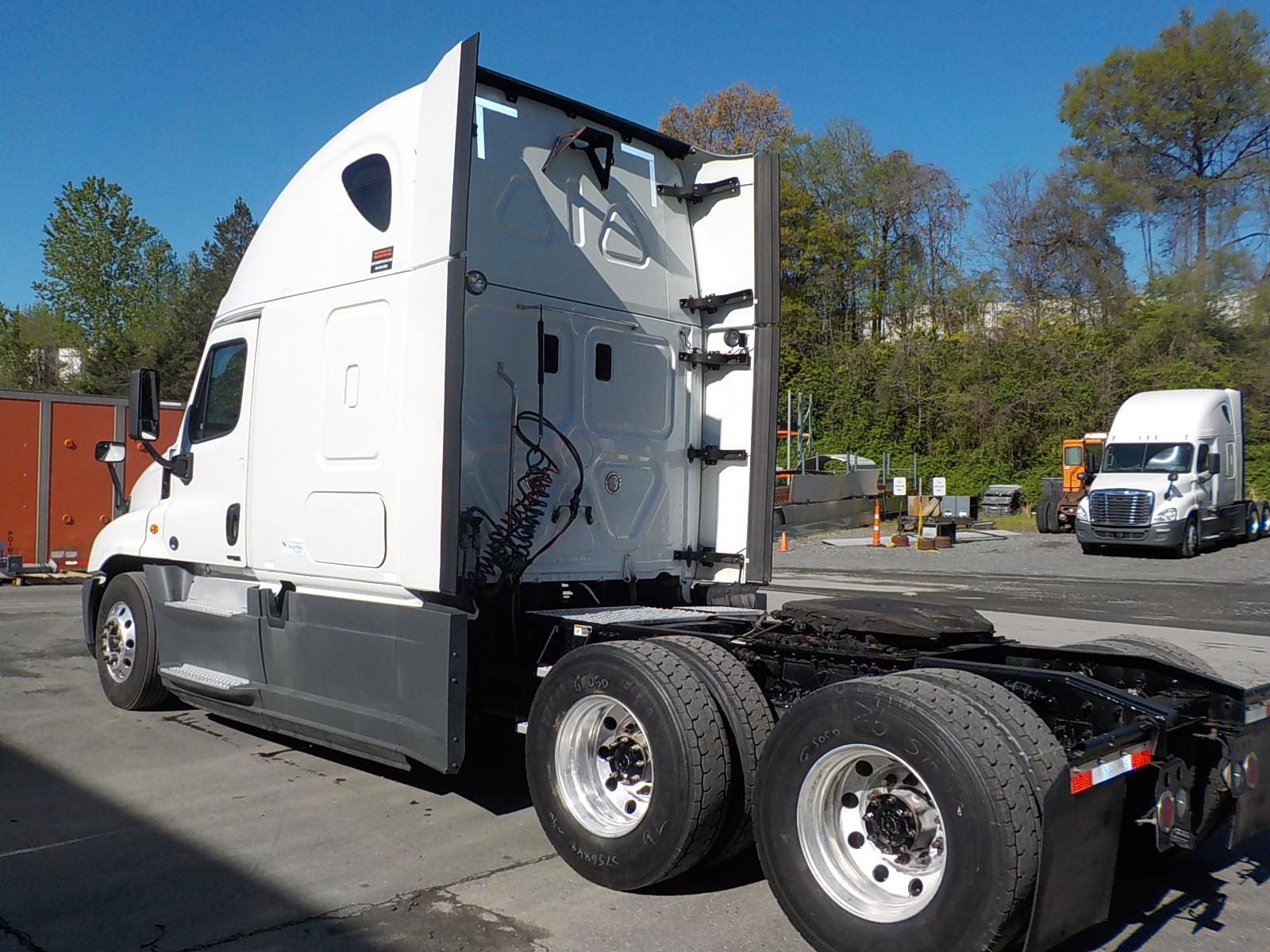 2015 Freightliner Cascadia for sale-59197473