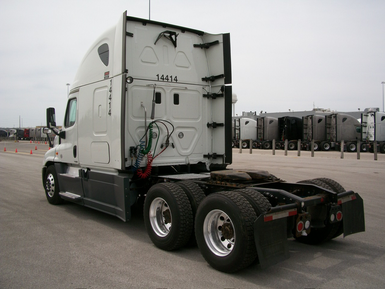 2015 Freightliner Cascadia for sale-59197478