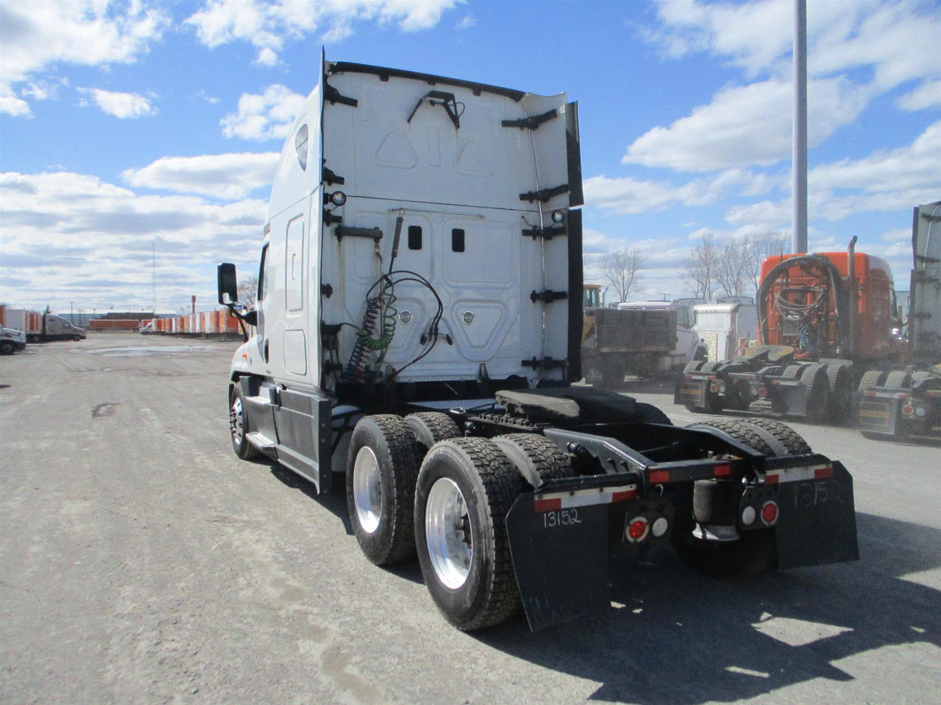 2015 Freightliner Cascadia for sale-59274807