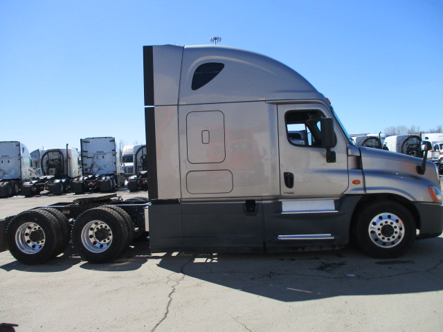 2015 Freightliner Cascadia for sale-59218692