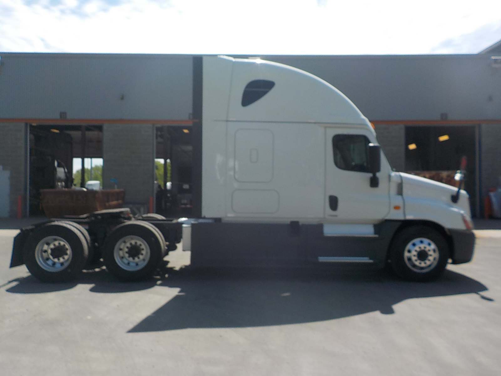 2015 Freightliner Cascadia for sale-59263885