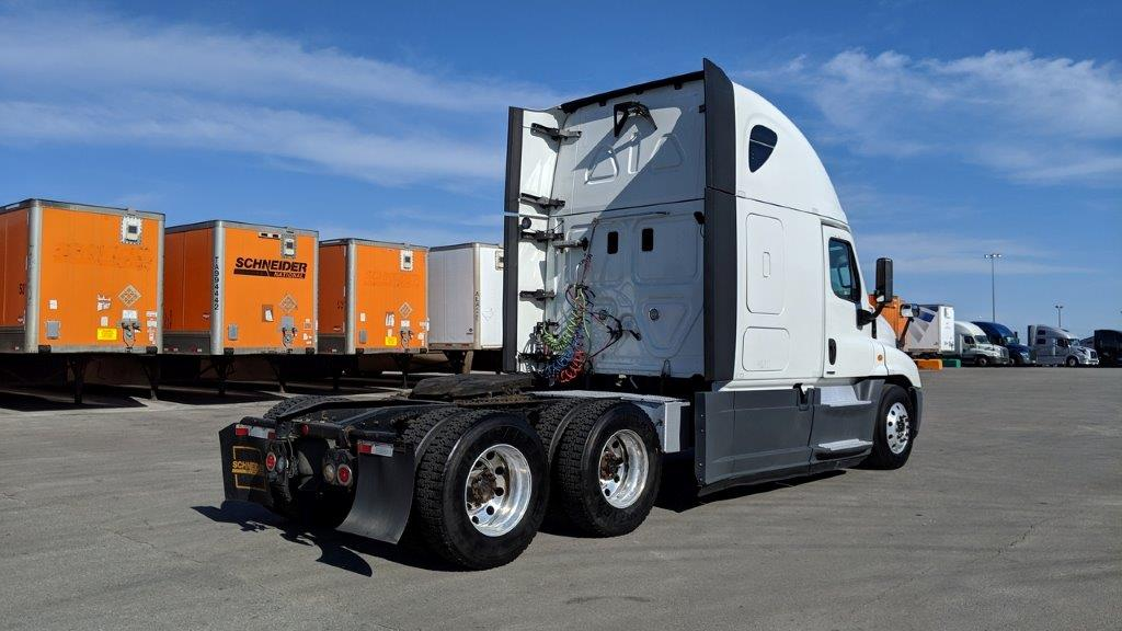 2015 Freightliner Cascadia for sale-59256458