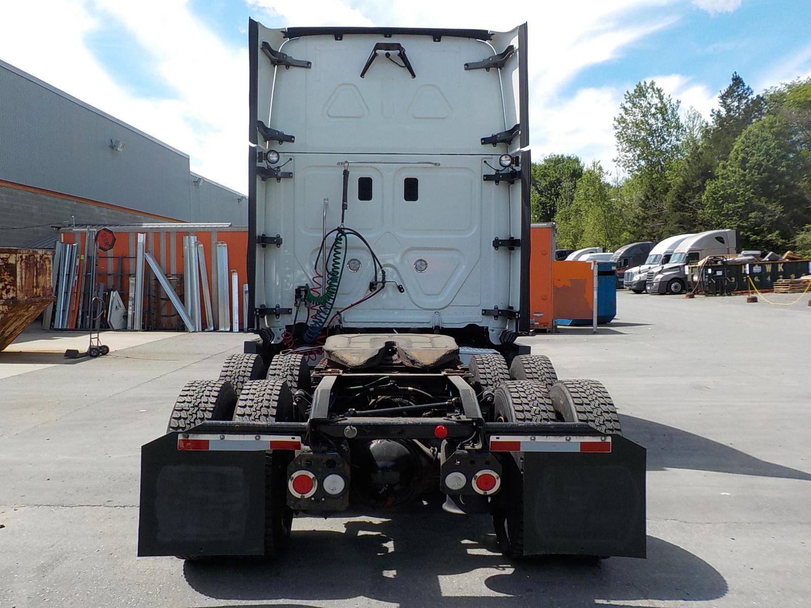 2015 Freightliner Cascadia for sale-59218675