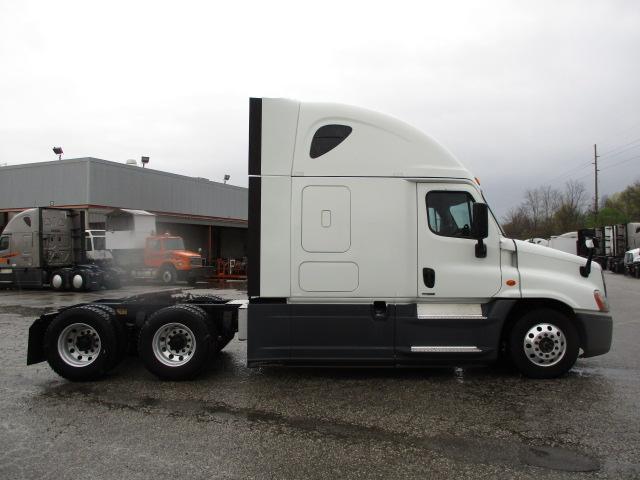 2015 Freightliner Cascadia for sale-59274813