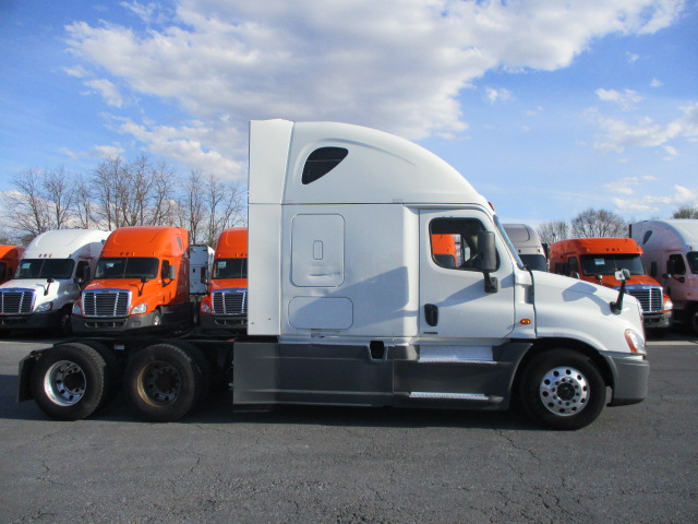2015 Freightliner Cascadia for sale-59274823