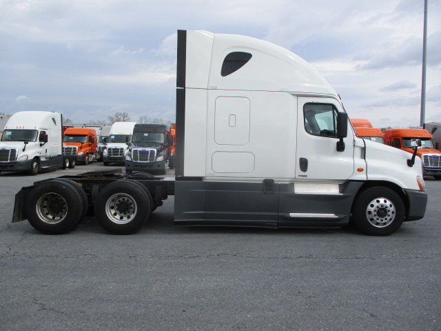 2015 Freightliner Cascadia for sale-59274844