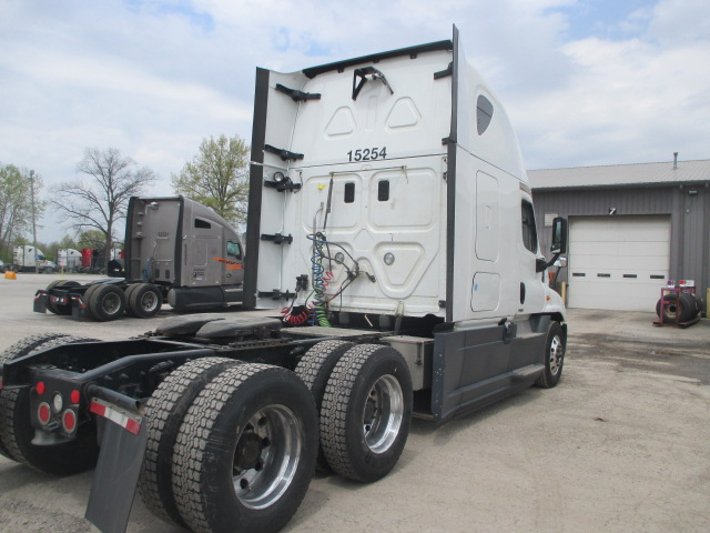2015 Freightliner Cascadia for sale-59274869