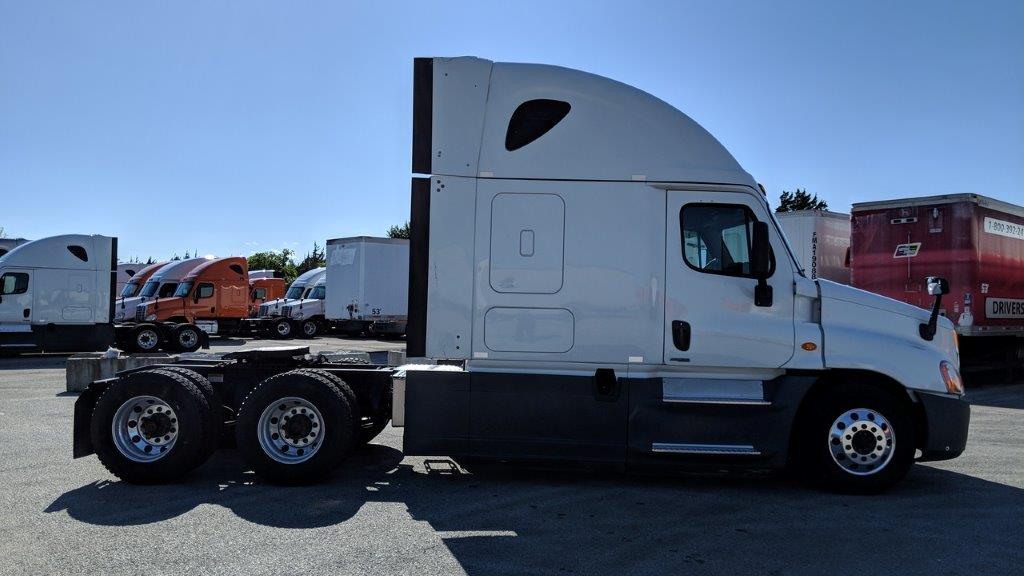 2015 Freightliner Cascadia for sale-59233806