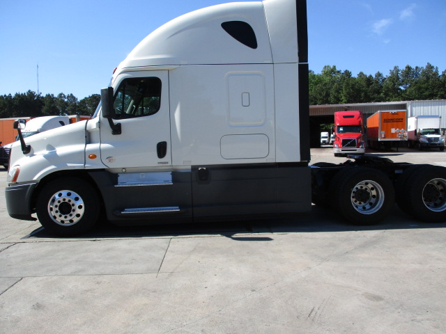 2015 Freightliner Cascadia for sale-59274913
