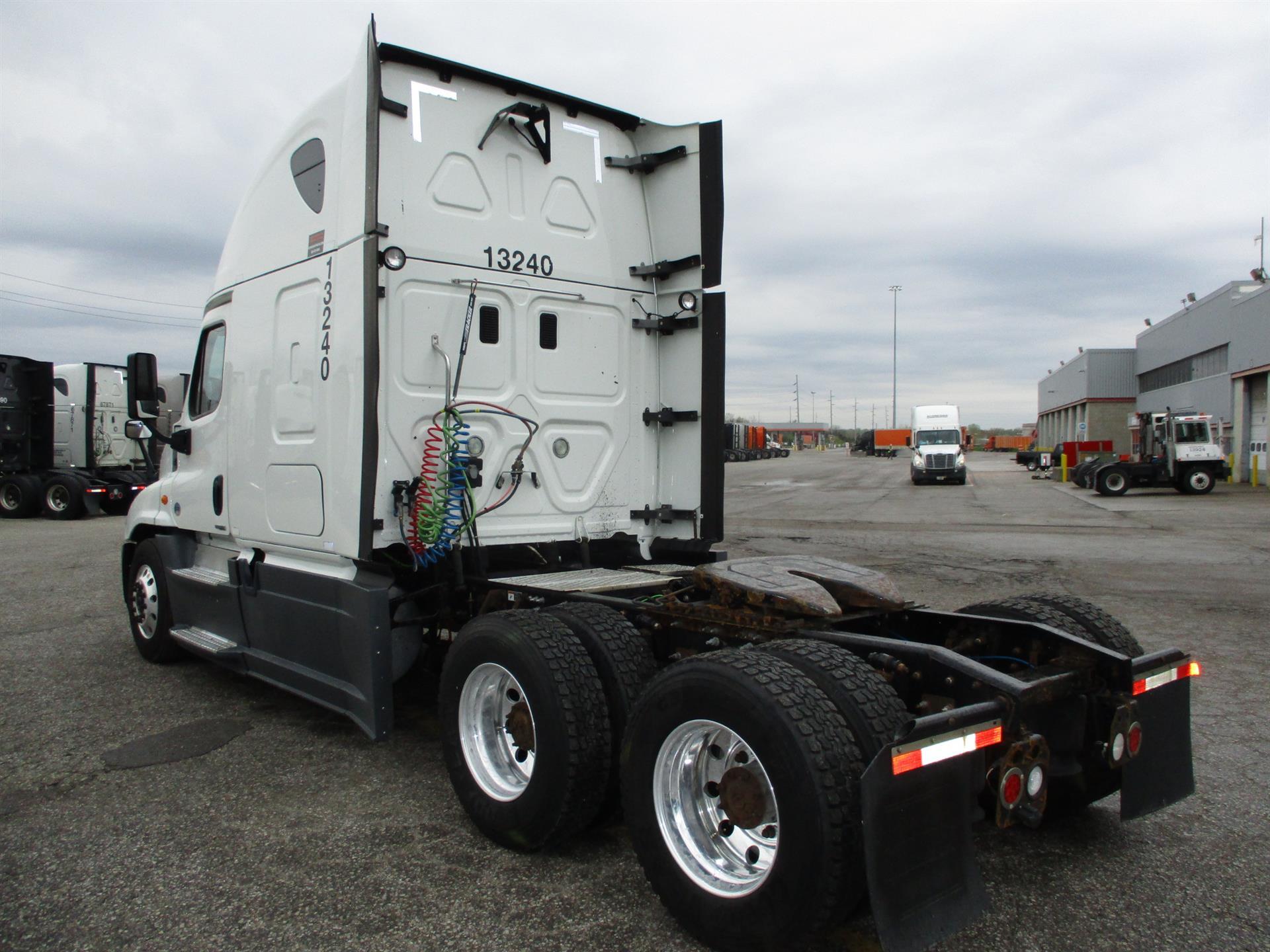 2015 Freightliner Cascadia for sale-59274917