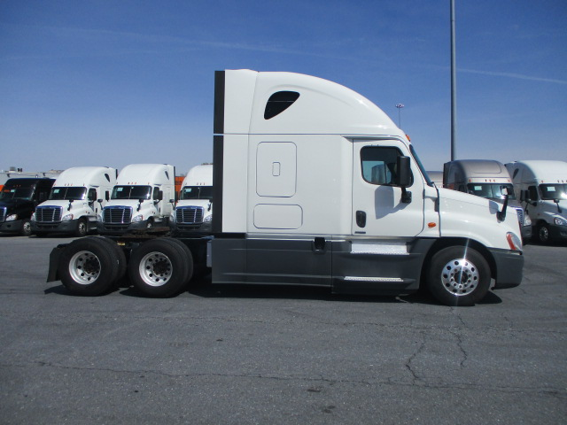 2015 Freightliner Cascadia for sale-59218814