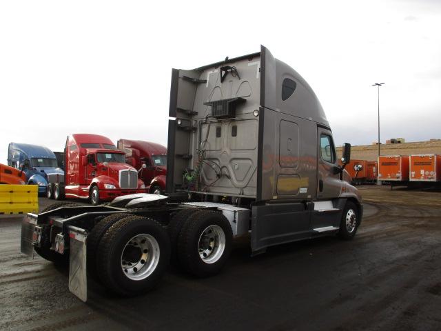 2015 Freightliner Cascadia for sale-59218820