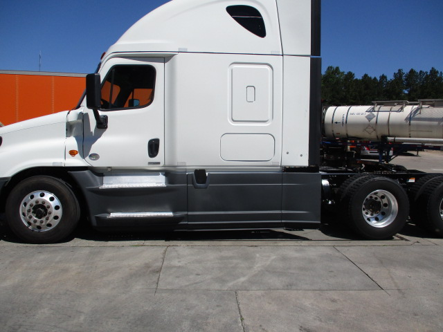 2015 Freightliner Cascadia for sale-59233816