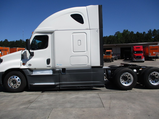2015 Freightliner Cascadia for sale-59218886