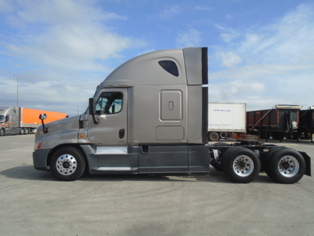 2014 Freightliner Cascadia for sale-59212434