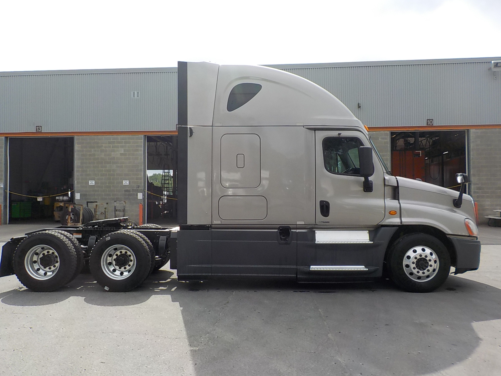 2015 Freightliner Cascadia for sale-59275014