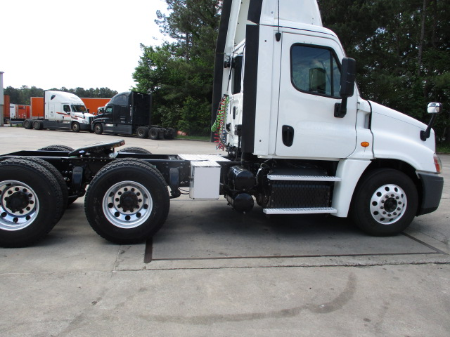 2013 Freightliner Cascadia for sale-59268133