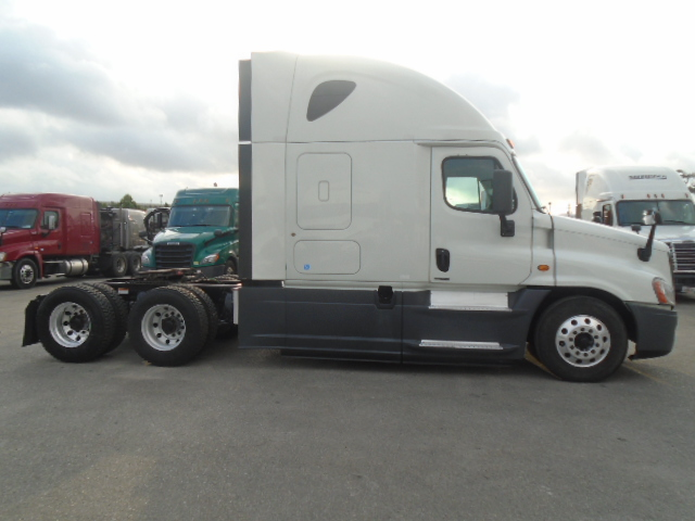 2015 Freightliner Cascadia for sale-59218917
