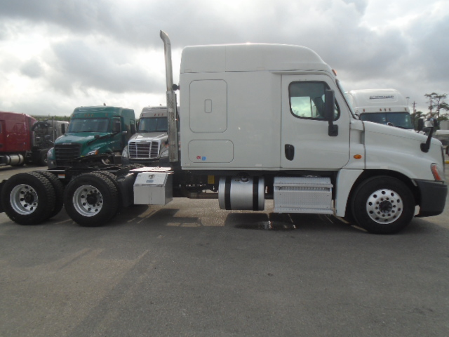 2015 Freightliner Cascadia for sale-59212697