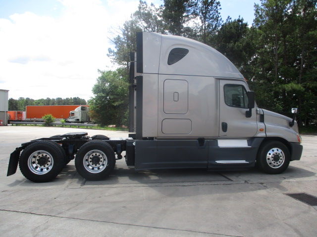 2015 Freightliner Cascadia for sale-59212822