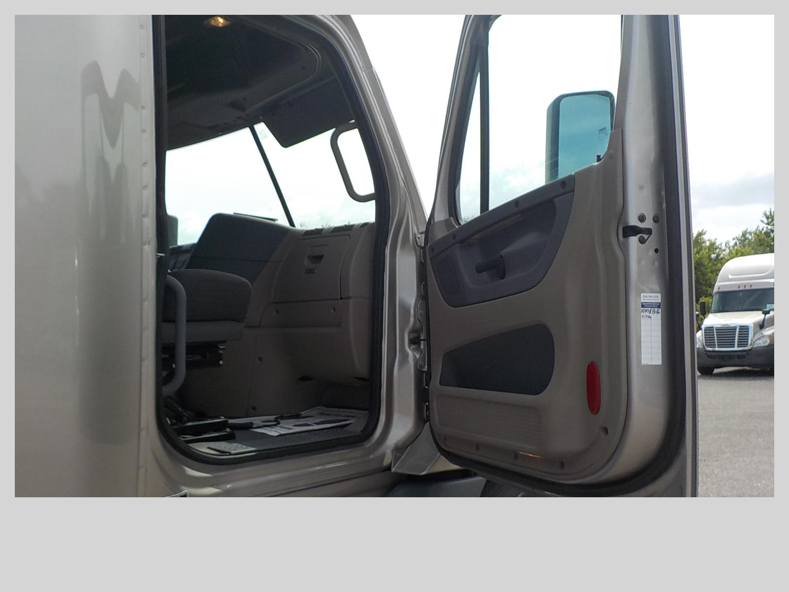 2015 Freightliner Cascadia for sale-59212827