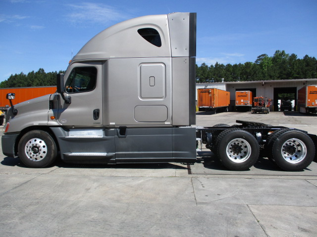 2015 Freightliner Cascadia for sale-59218781